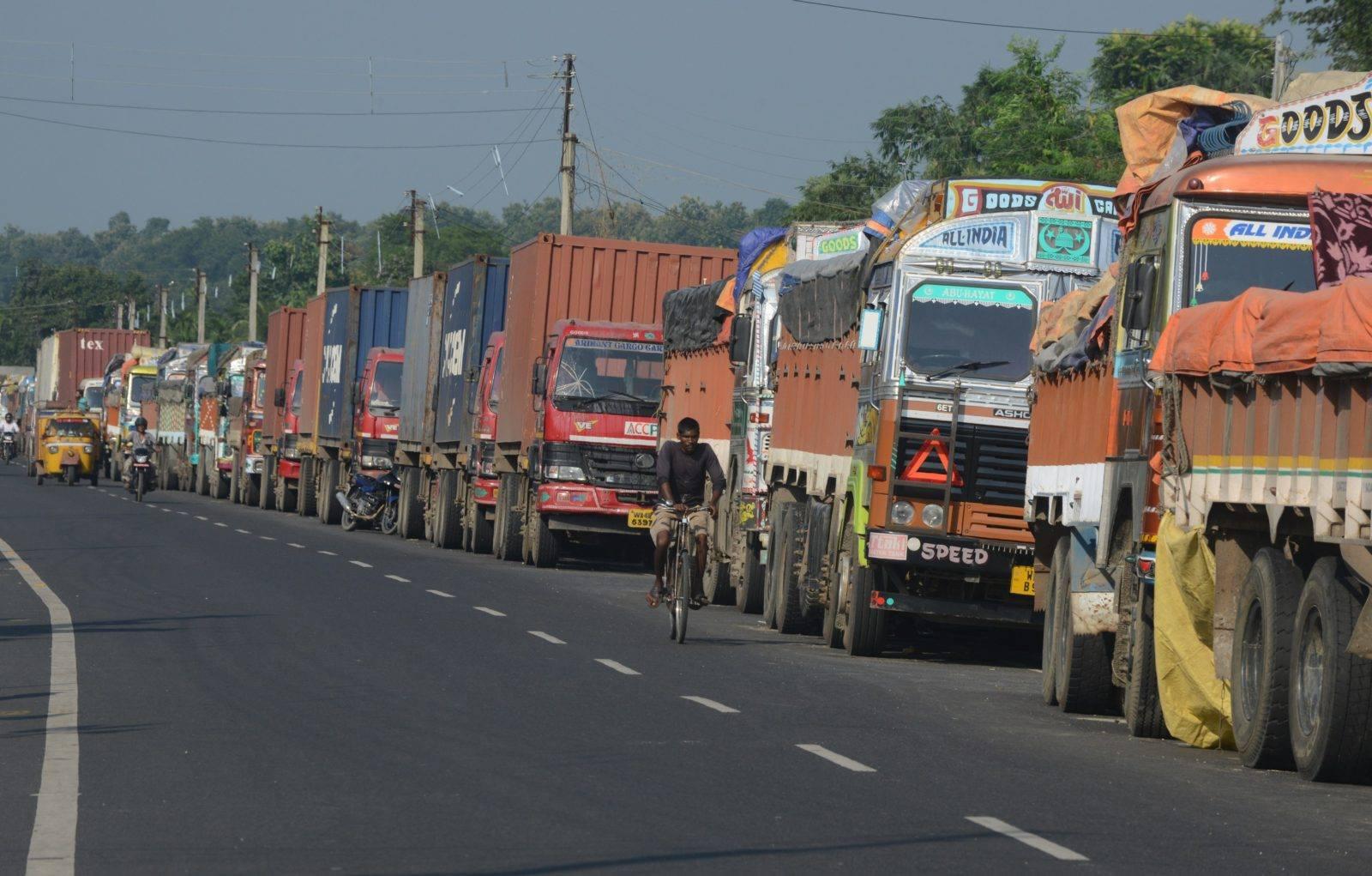 एक बर्षमा नेपालमा १५खर्ब ३९अर्ब ८३करोडको सामान आयात