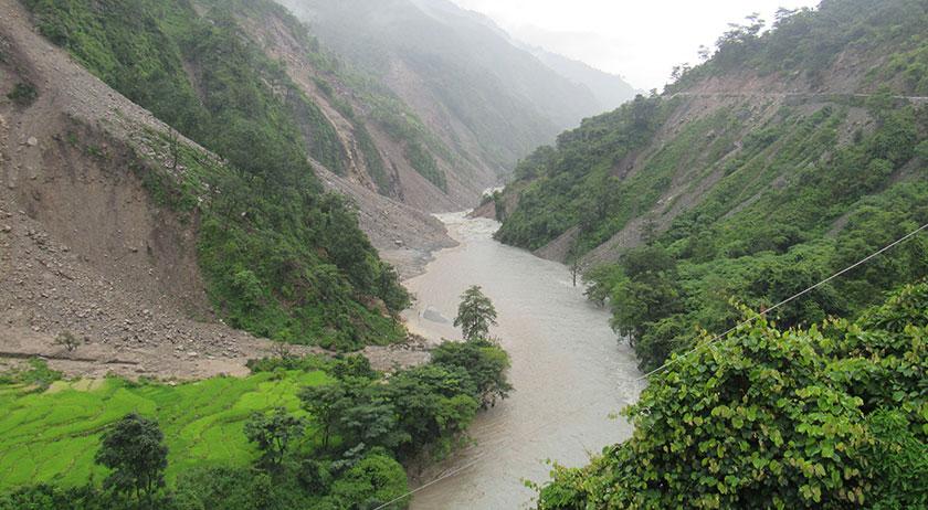 बाजुरामा बुढीगंगा नदी आंशिक थुनियो